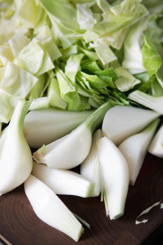 Lyse sarte og søde grøntsager.