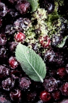 udstenede kirsebær lime og mynte