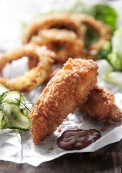 Southern-fried-kyllingenuggets_sprøde-løgringe