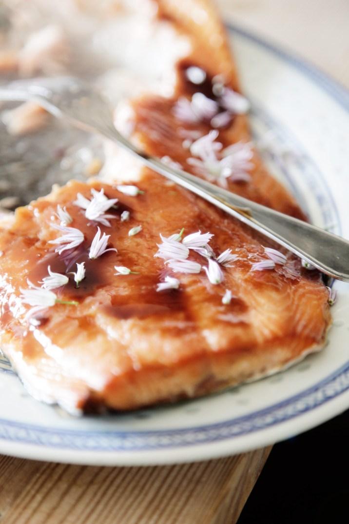 Sukkersaltet-varmrøget--glaseret-laks-i-weber